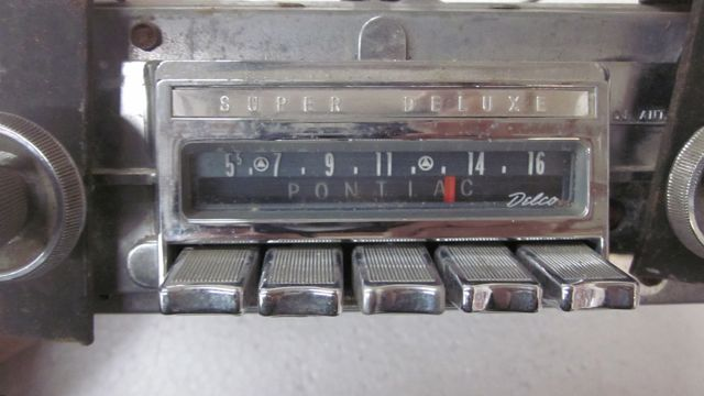 Pontiac AM Super Deluxe Radio Original Used 50s 60s